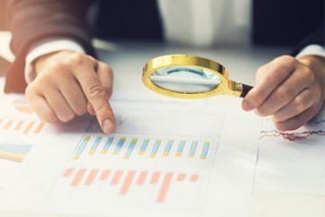חשוב לנהל מעקב חודשי של ההכנסות מול תשלומי המקדמות למס הכנסה
